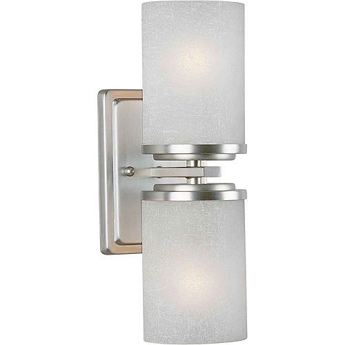 lumière fixée au mur avec abat-jour blanc couleur en argent