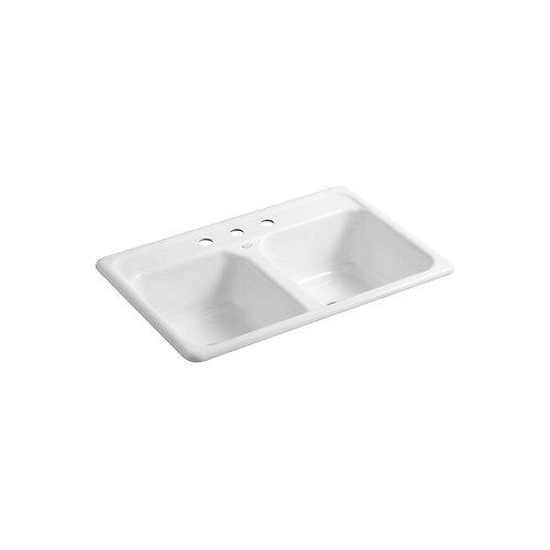Evier de cuisine a double cuve egale Delafield, installation sur surface, 33 x 22 x 8 1/2 po, avec 3 trous de robinet