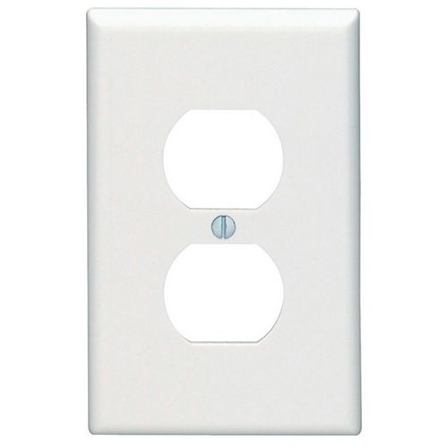 Leviton 1-Gang Midway Nylon Duplex Receptacle wall plate, in White