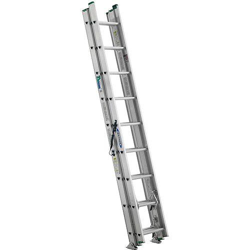 Échelle de 24 pi en aluminium à 3 petites sections pouvant supporter 225 livres. (Catégorie d'usage: Type II)