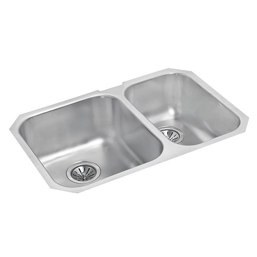 One and a Half Bowl Undermount Sink in Stainless Steel