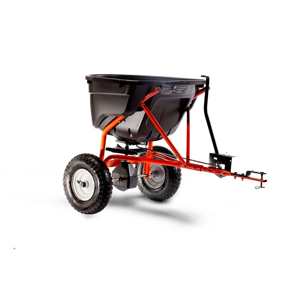 Agri-Fab Epandeur tractable à grande portée de 59 kg