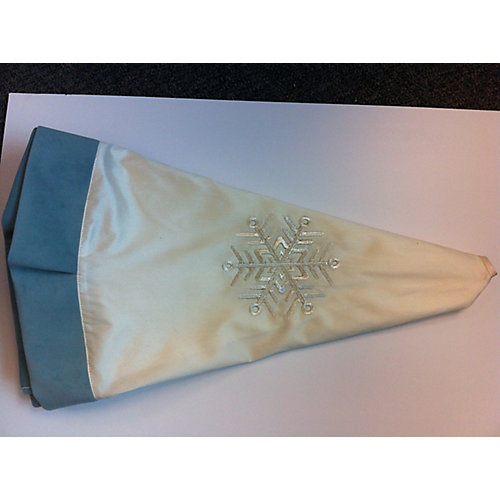 Tree Skirt - Bird and Snowflakes