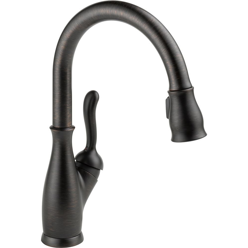 Delta Leland Integrated Single-Handle Pull-Down Sprayer Kitchen Faucet in Venetian Bronze with MagnaTite Docking