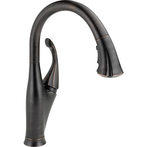 Addison Single-Handle Pull-Down Sprayer Kitchen Faucet in Venetian Bronze with MagnaTite Docking