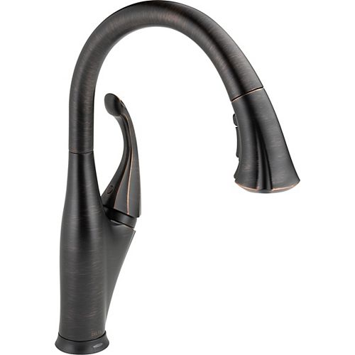 Delta Addison Single-Handle Pull-Down Sprayer Kitchen Faucet in Venetian Bronze with Touch2O Technology and MagnaTite Docking