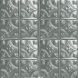 Carreau de plafond en acier argenté à motif répété aux 6 pouces et installation clouée 2 pi x 4 pi