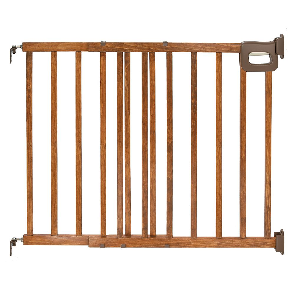 Summer Infant Stylish & Secure Deluxe Wood Stairway Gate