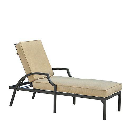 Pine Ridge Lounge Chair