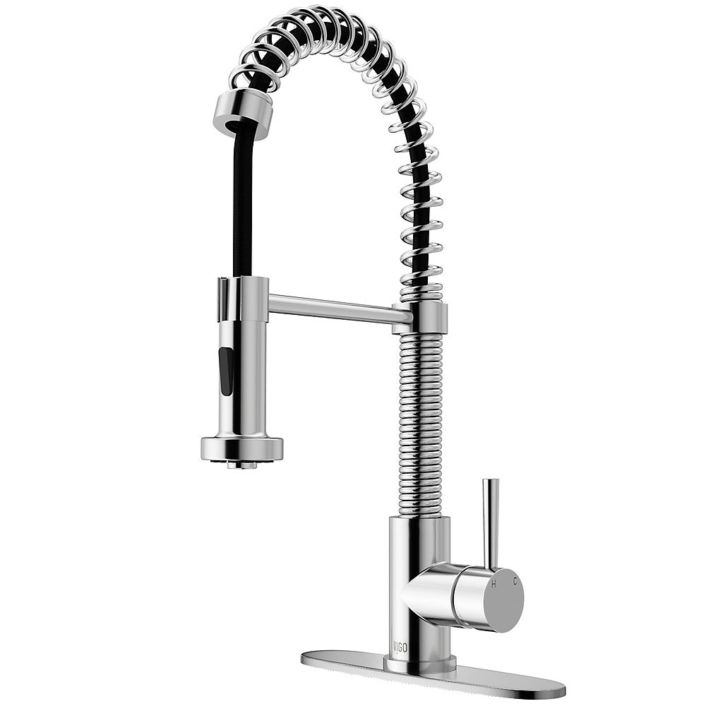 VIGO Edison Single-Handle Pull-Down Sprayer Kitchen Faucet with Deck Plate in Chrome
