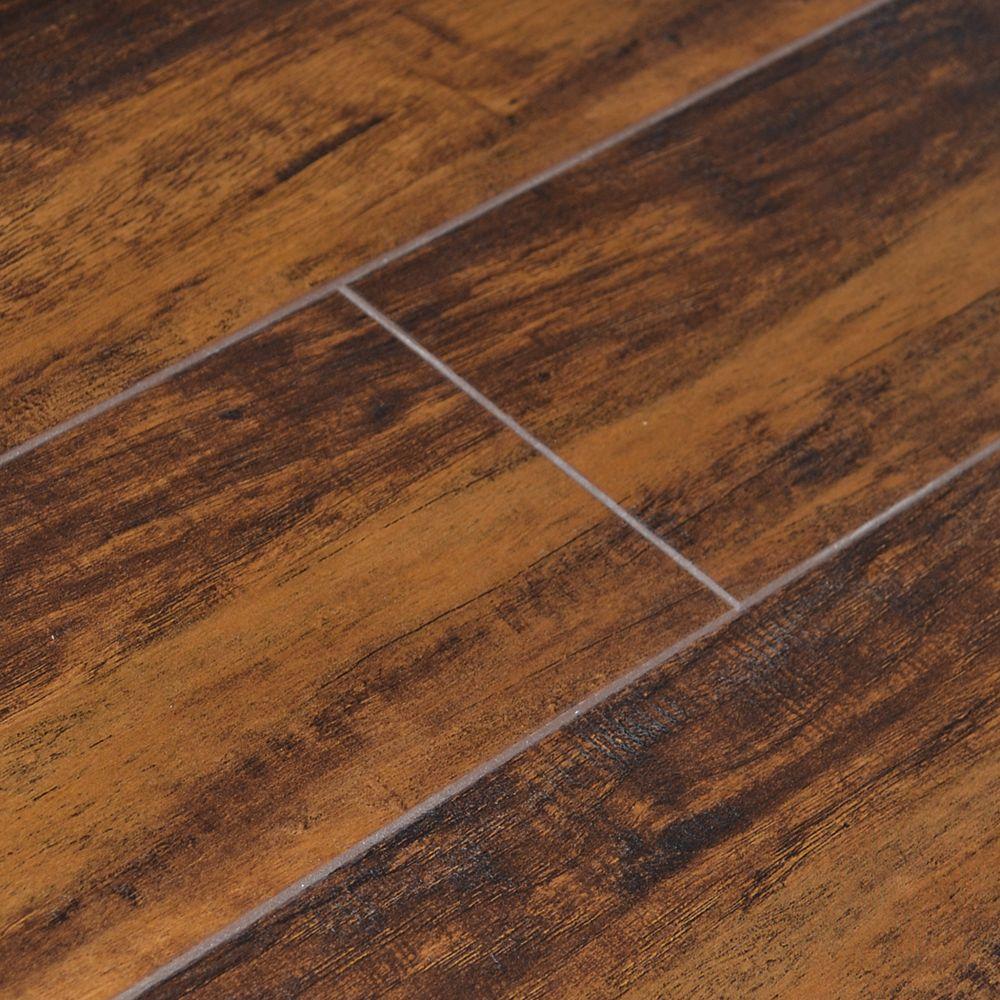 Quickstyle Plancher avec sous-couche, stratifié, 5 po, Érable caramel Revolution, 19,96 pi2/boîte