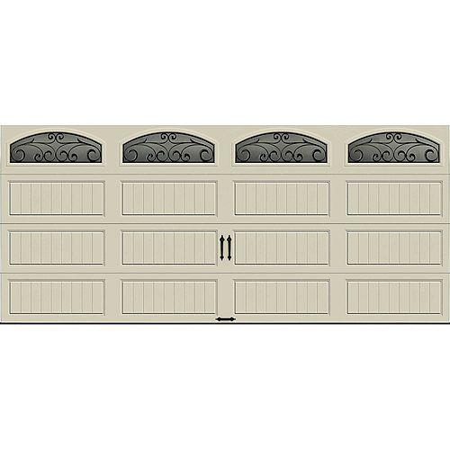 Clopay Porte de garage Collection Gallery 16pi x 7pi Valeur R 6.5 isolée en polystyrène Dune Avec fenêtres Fer Forgé