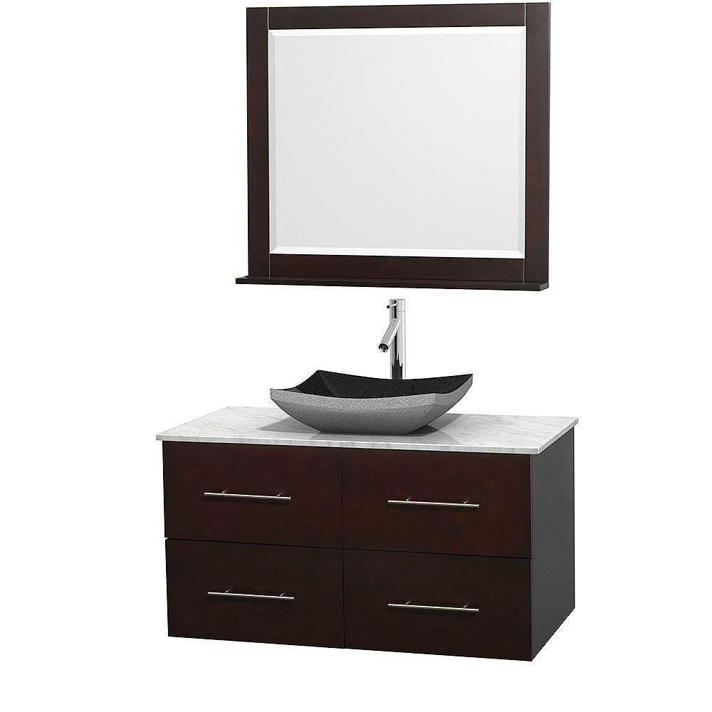Wyndham Collection Meuble simple Centra 42 po. espresso, comptoir blanc Carrare, lavabo granit noir, miroir 36 po.