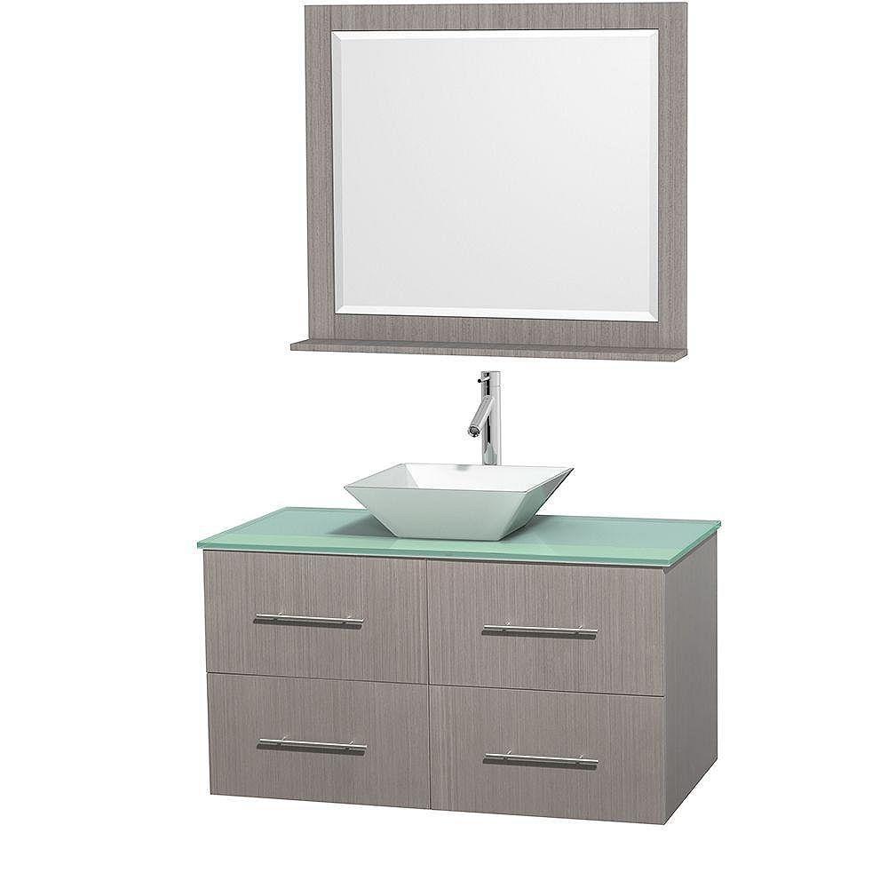 Wyndham Collection Meuble unique Centra 42 po. chêne gris, comptoir verre vert, lavabo porcelaine blanche, miroir 36 po.