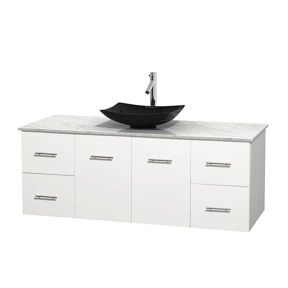 Wyndham Collection Meuble simple Centra 60 po. blanc, comptoir blanc Carrare, lavabo granit noir, sans miroir