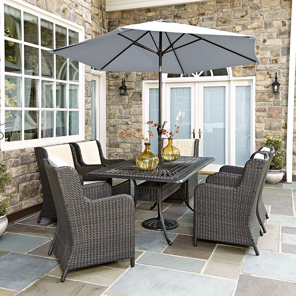 Home Styles Largo 7PC Ensemble de salle à manger w/ Riviera chaises et un parasol