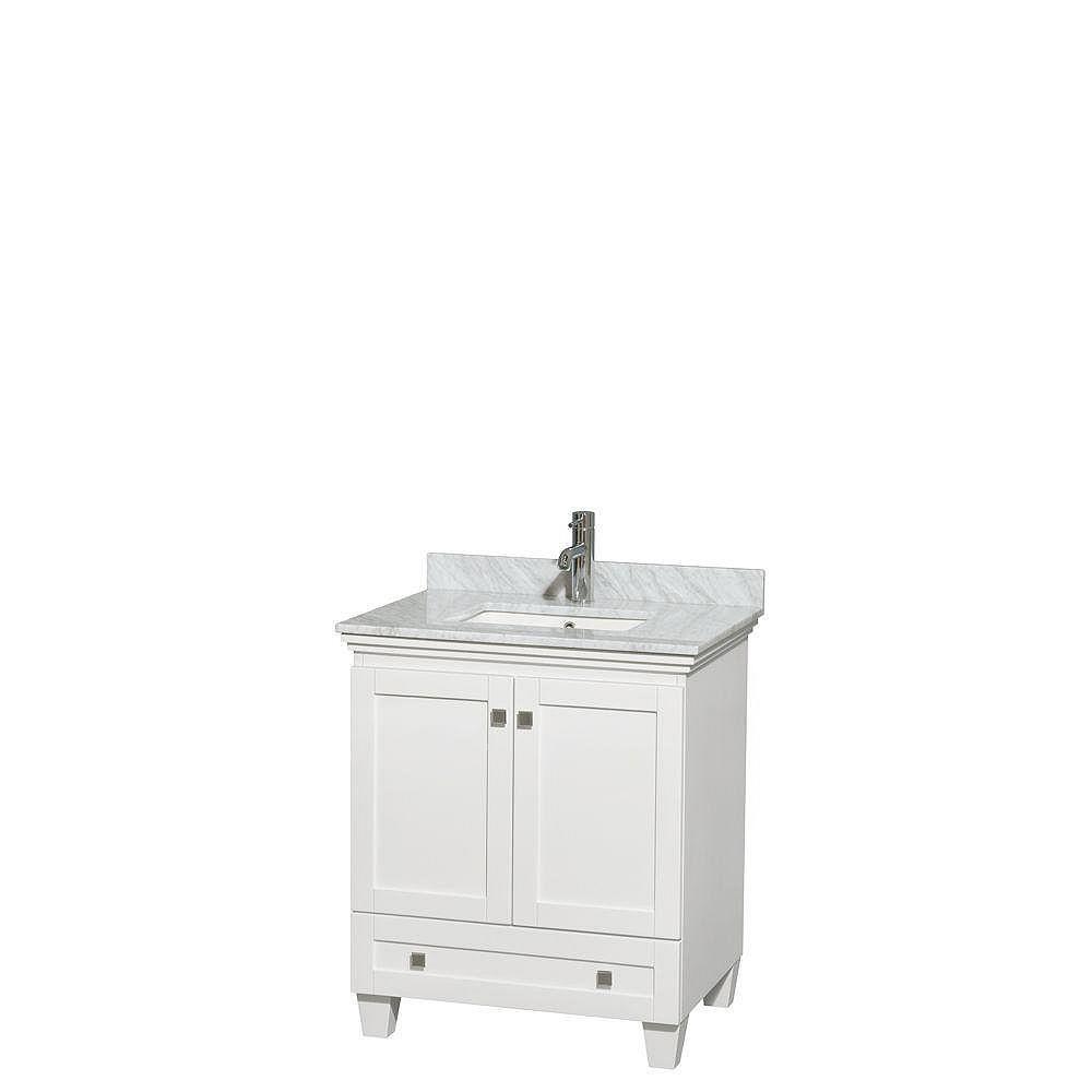 Wyndham Collection Acclaim 30 po. Meuble simple blanc, comptoir blanc Carrare, lavabo encastré sans miroir