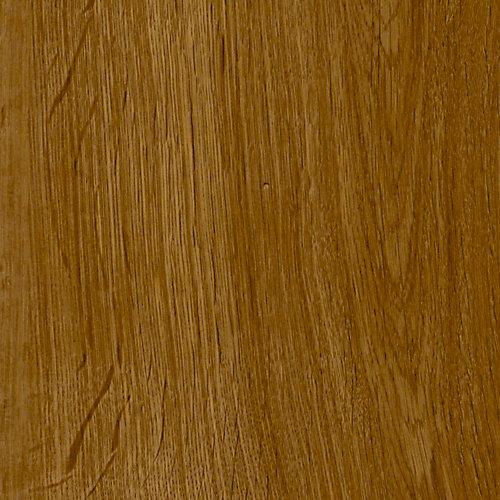 Plancher en planches de vinyle de luxe de 7,5 po x 47,6 po (19,8 pi2 / caisse) en chêne Markum verrouillable moyen