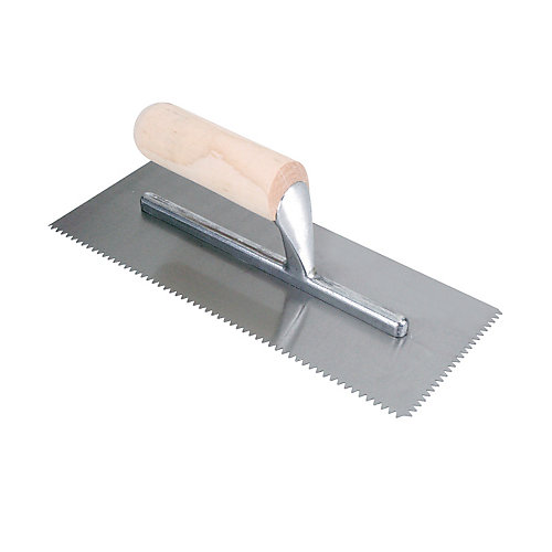 Truelle dentelée Pro en forme de V avec poignée, 1/4 x 3/16 po
