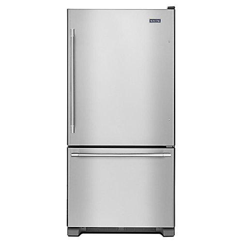 Réfrigérateur de fond de congélateur de 33 po W 22 pi3 en acier inoxydable résistant aux empreintes digitales - ENERGY STARMD