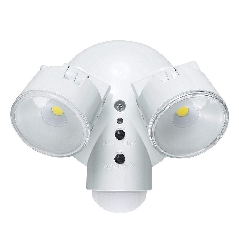 Globe Electric LED for Life 29W 180 Degree White Dusk to Dawn Motion LED Outdoor Security Light