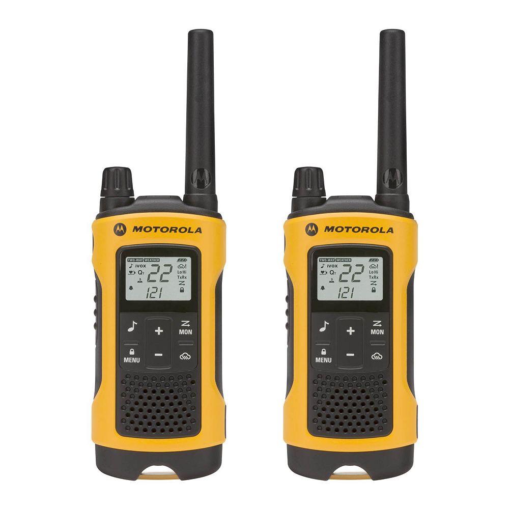 Motorola T400 Two-Way Radio 56KM, 2 pack - Family model