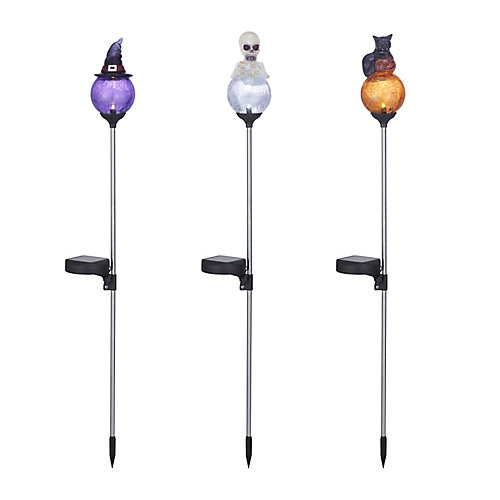 Solar-Lit Outdoor Halloween Decoration