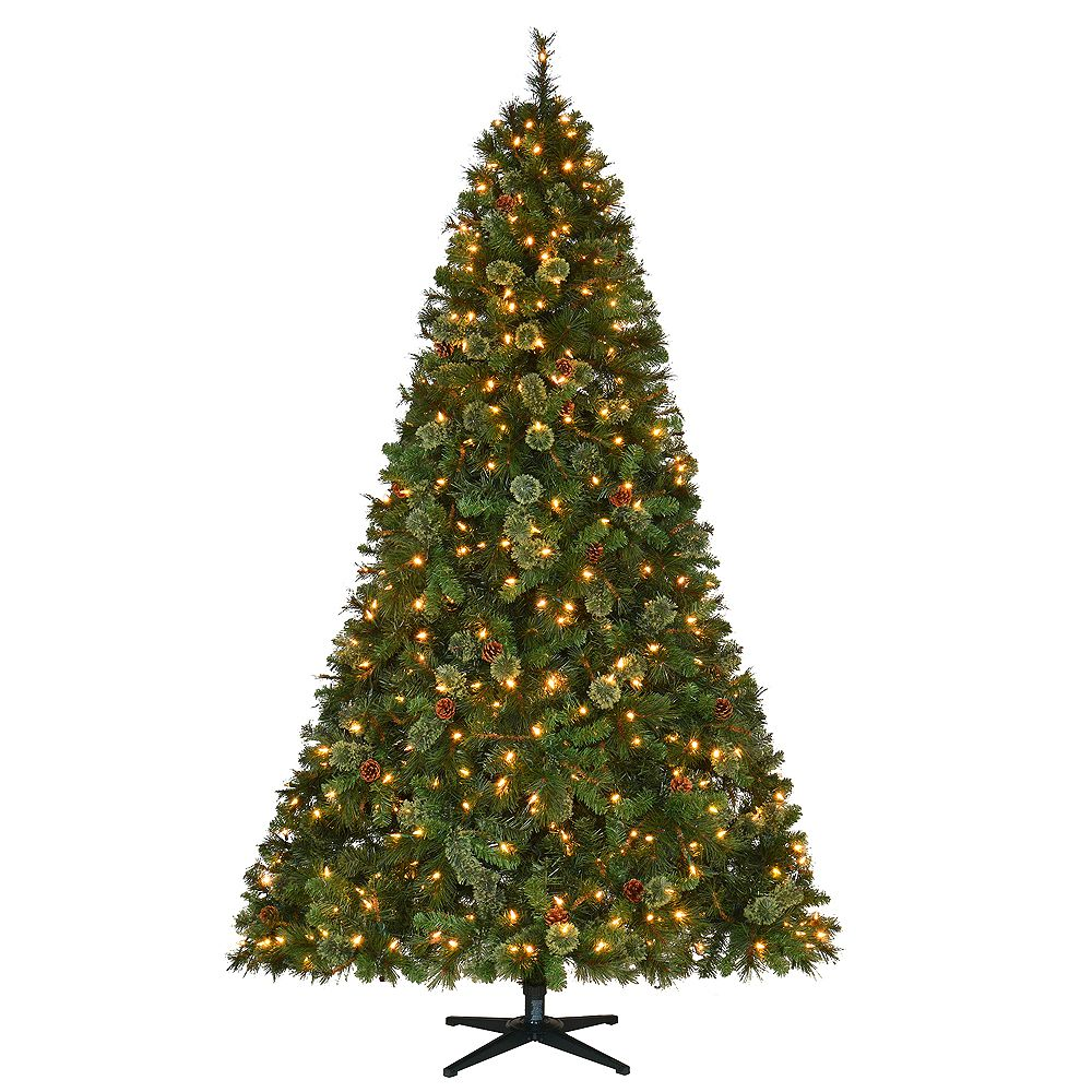 Home Accents 7.5 ft. Pre-Lit LED Alexander Pine Artificial Christmas Tree with 550 Warm Wh ...