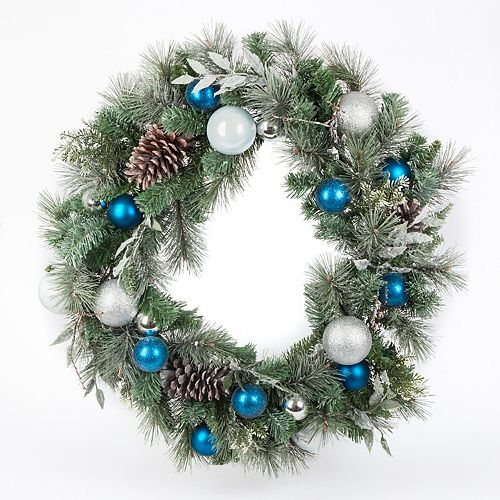 Home Accents 30-inch Lightly Flocked Mixed Pine Christmas Wreath