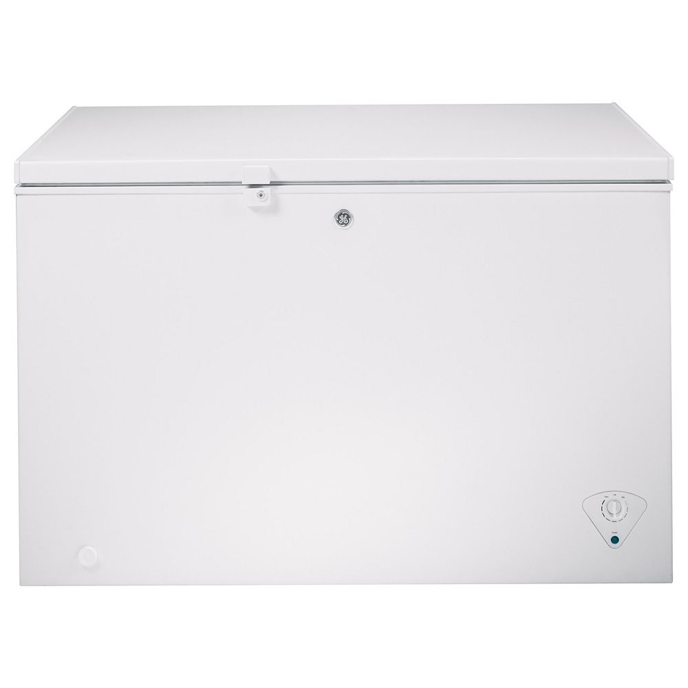 GE 10.6 cu. ft. Chest Freezer in White - ENERGY STAR®