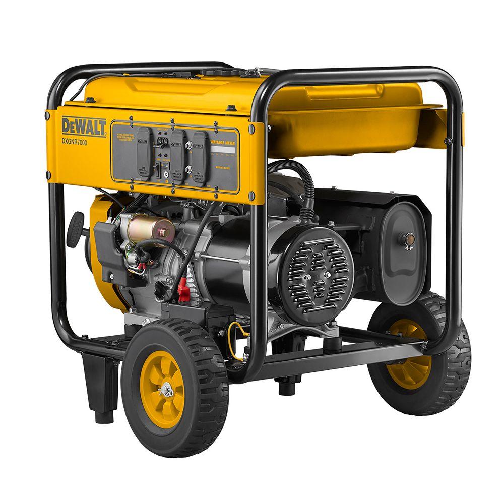 DEWALT Générateur portable alimenté au gaz avec démarrage électrique, 7 000 watts