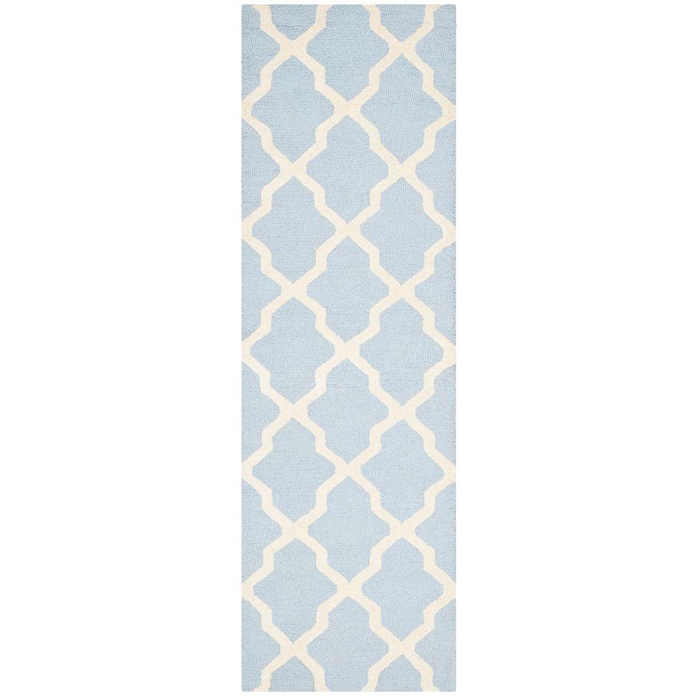 Safavieh Tapis de passage d'intérieur, 2 pi 6 po x 12 pi, Cambridge Giselle, bleu clair / ivoire