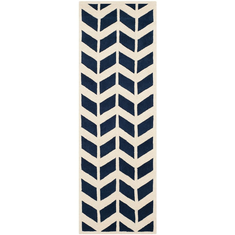 Safavieh Tapis de passage d'intérieur, 2 pi 3 po x 7 pi, Chatham Cecil, bleu foncé / ivoire