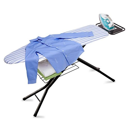 Planche à repasser à quatre pieds pour usage intensif avec le repose-fer de Honey-Can-Do