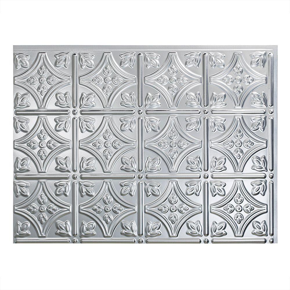 Fasade Traditional 1 Aluminium Brossé 18 po x 24 po Panneau en PVC Pour Dosseret