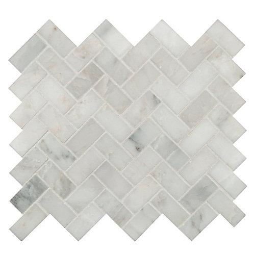 Carr. mosaïq marbre traité jet sable montés filet Arabescato Herringbone 12 x 12 po (9,4 pi ca/bte)