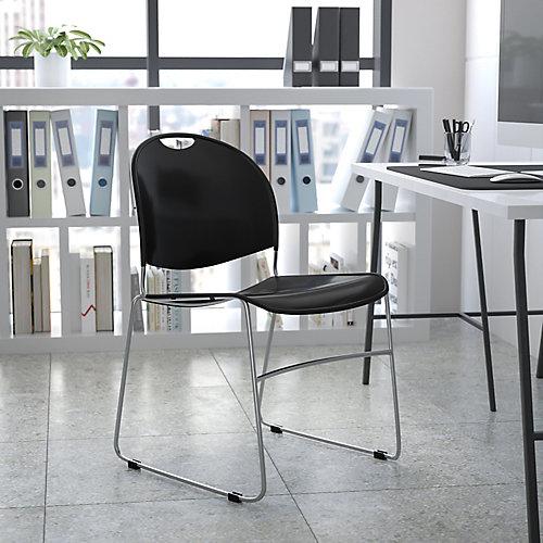 Chaise empilable en plastique