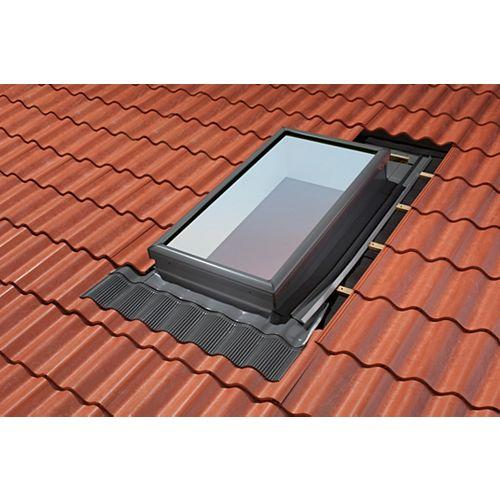 Système de solin à gradin pour fenêtres de toit avec cadre intégré - taille UK04