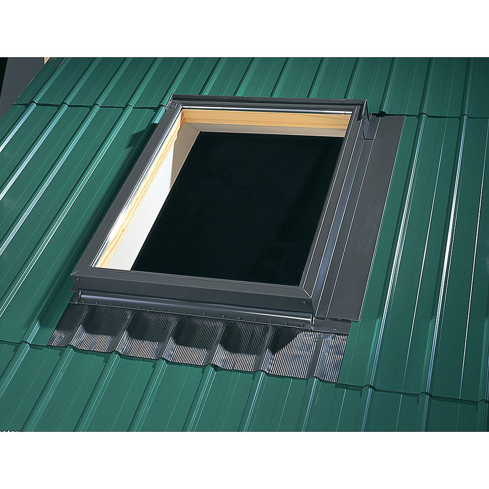 VELUX Solin pour toiture métallique pour puits de lumière avec cadre intégré - taille A06
