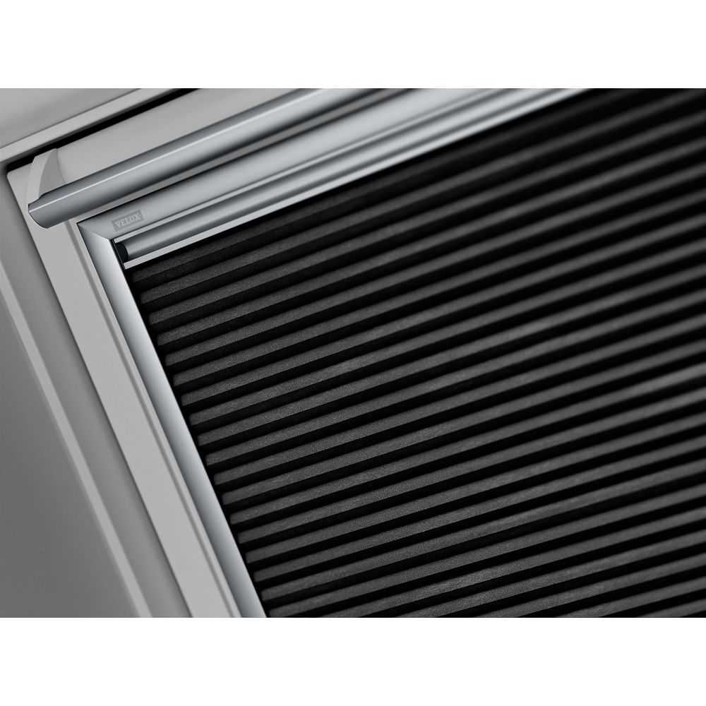 VELUX GGL- Centre pivoting roof window -Triple pane - (10-Pack) - outside frame 37 1/8 inch x 63 inch