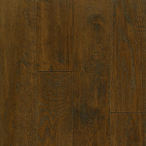 Oak Mocha 3/4-inch Thick x 5-inch W AV Hand-scraped Hardwood Flooring (23.5 sq. ft. / case)