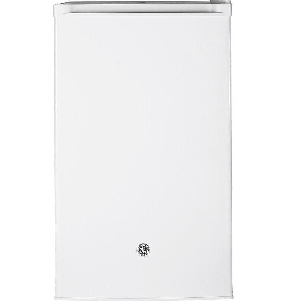 GE 4.4 Cu.Ft. Compact Refrigerator Mini Fridge in White- ENERGY STAR®