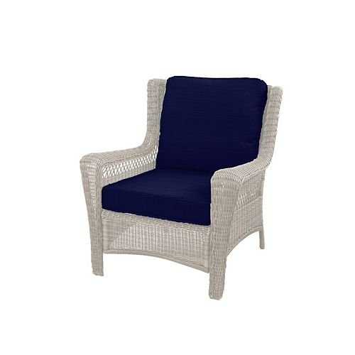Park Meadows Off-White Wicker Lounge Chair w/ Navy Cushion