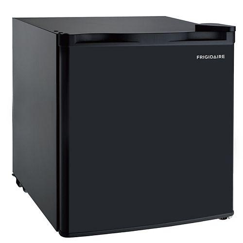 1.6 cu. ft. compact Mini Fridge - Black