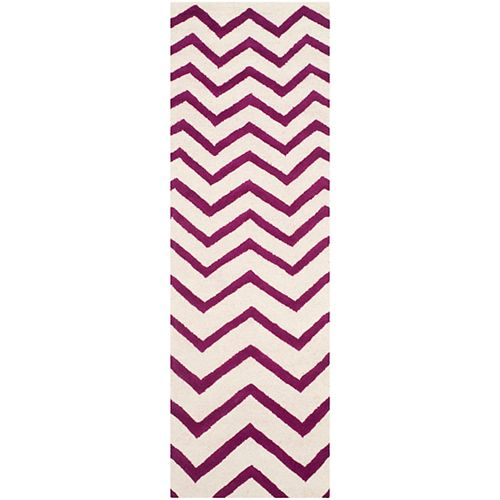 Safavieh Cambridge Chelky Ivory / Fuchsia 2 ft. 6-inch x 8 ft. Indoor Runner