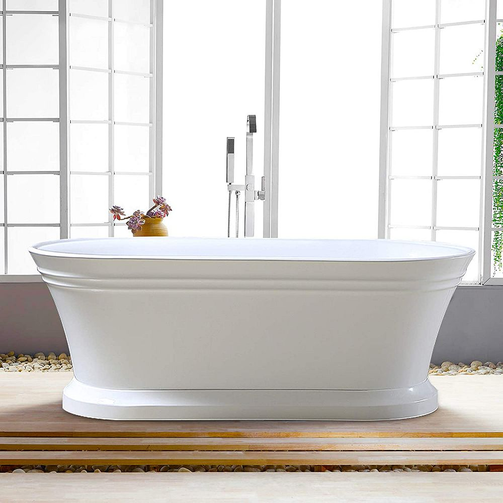 Vanity Art Freestanding acrylic bathtub with polished chrome slotted overflow and pop-up drain. 6610-L