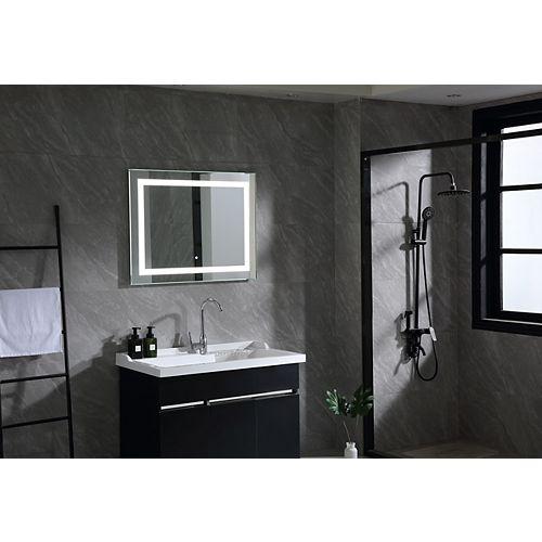 Miroir de salle de bains à DEL avec interrupteur à capteur. DEL de 5500K. 7 lumens, 0.7W, 162pcs.