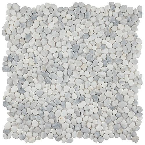 Carreau mosaïque en cailloux 12 1/4 po x 12 1/4 po x 7 mm Pebblini, fumée blanche (10,63 pi2/bte)