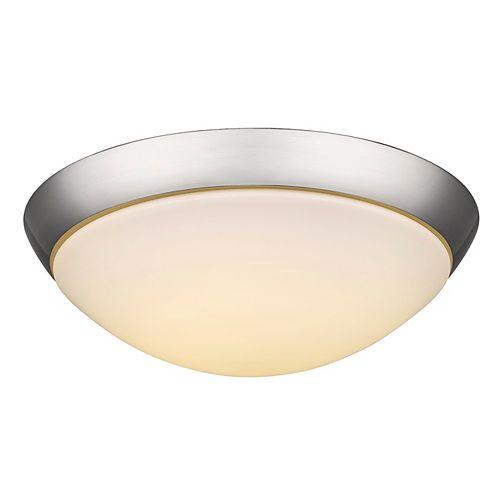 Le plafonnier 2- lumière encastré avec une teinte en verre opale et une base en nickel satiné.