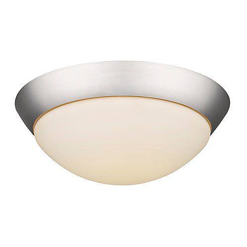 Plafonnier à DEL  avec une nuance en verre opale et une base en nickel satiné avec 1080 lumens